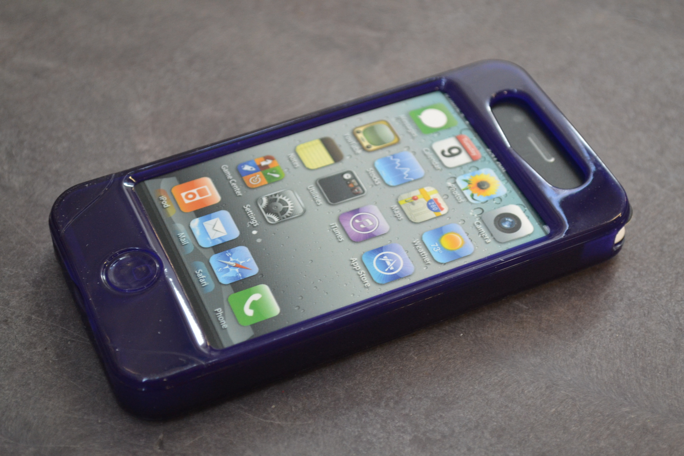 Image 1 of iSkin Solo Vu Purple Case For iPhone 4G