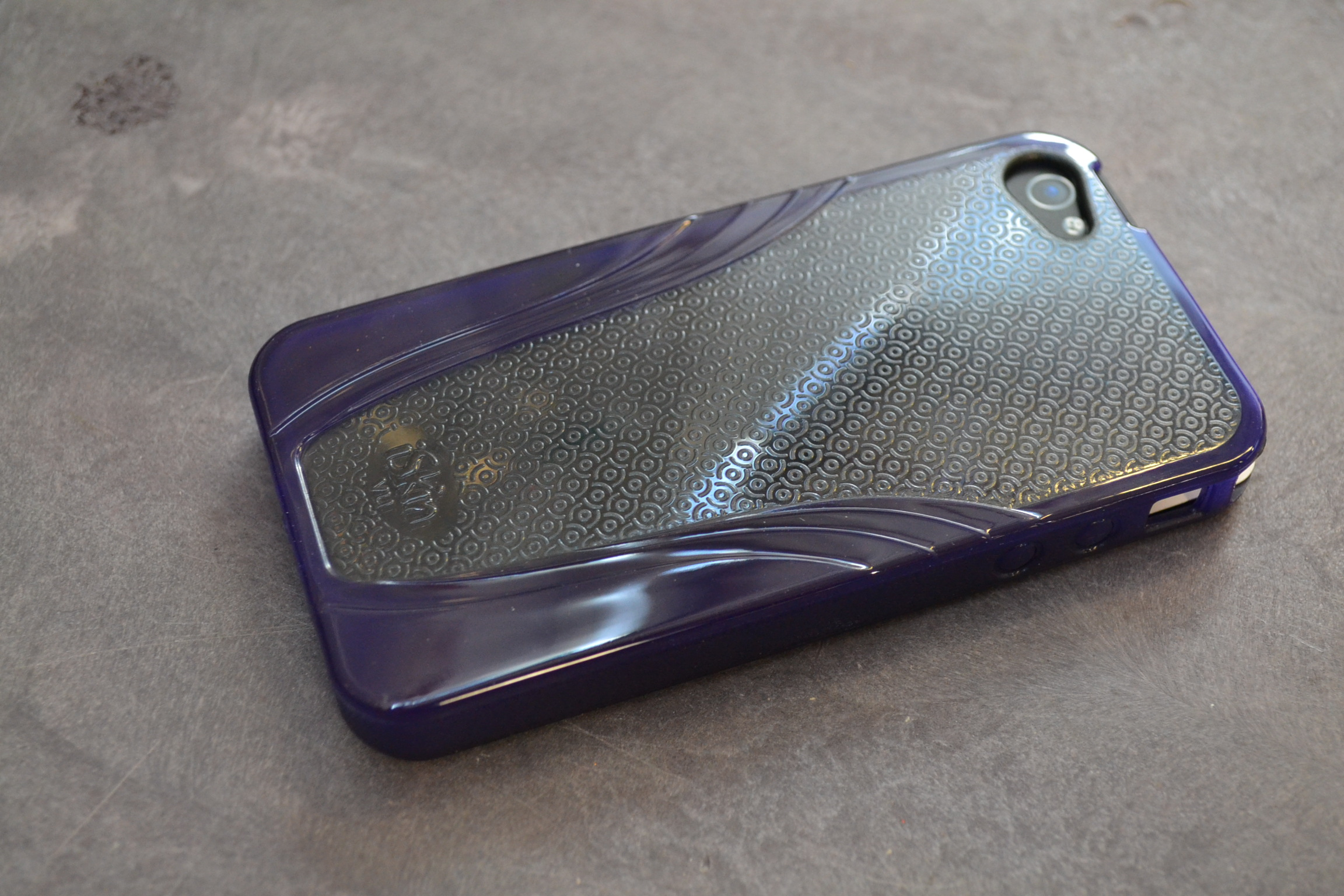 Image 0 of iSkin Solo Vu Purple Case For iPhone 4G